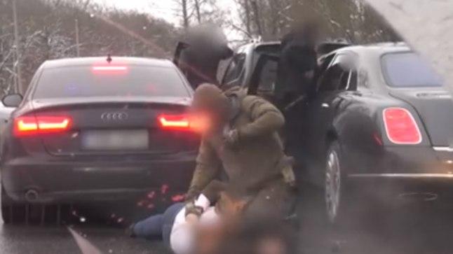 Veebruari keskel vahistasid politseinikud Hubert Hirve.