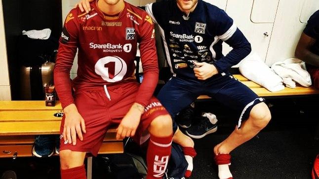 Brent Lepistu (vasakul) pärast debüüti Norra kõrgliigas.