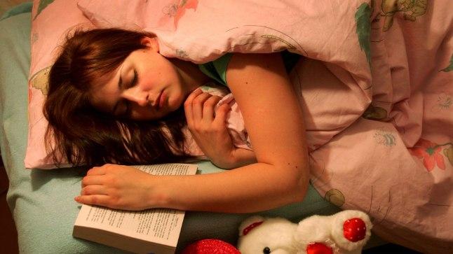 Eesti inimese keskmine uneaeg tööpäeviti on 7 tundi ja 36 minutit ning puhkepäeviti 8 tundi ja 1 minut.