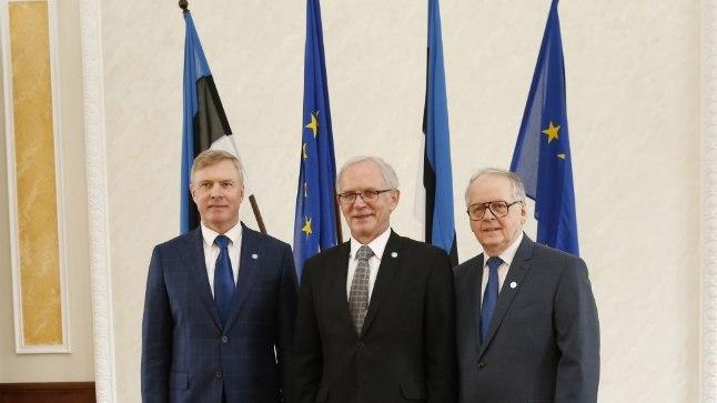 KOLM MUSKETÄRI: Riigikogu uude juhatusse kuuluvad (vasakult) opositsiooni esindaja Kalle Laanet ning koalitsiooni esindajad Eiki Nestor ja Enn Eesmaa.