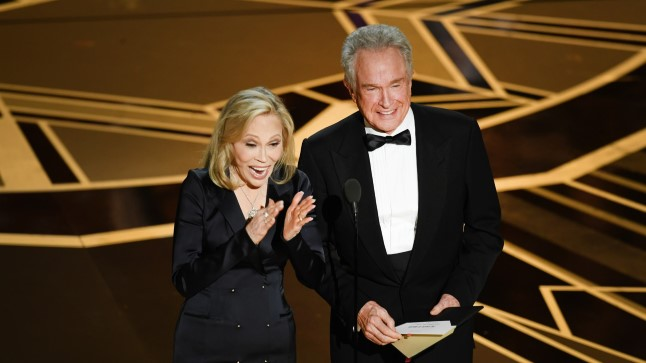 Faye Dunaway ja Warren Beatty naasid pärast mullust äpardust Oscarite lavale.