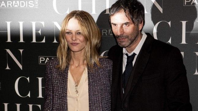 """Vanessa Paradis ja Samuel Benchetrit 5. märtsil Pariisis mehe uue filmi """"Chien"""" esilinastusel."""