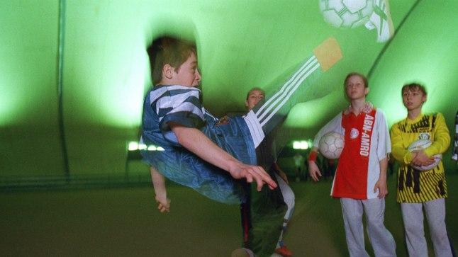 MÄNGURÕÕM: Jalgpall teeb noore meele heaks. Kui ta just suure tüli tõttu kannatajaks ei jää. Pilt on illustratiivne.