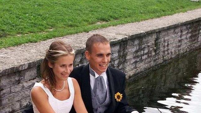 2002 - Kadrioru luige tiigil kinnitati toonase peaministri Siim Kallase tütre Kaja abielu Roomet Leigeriga