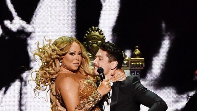 Mariah Carey esinemas koos oma praeguse kallima, tantsija Bryan Tanakaga.