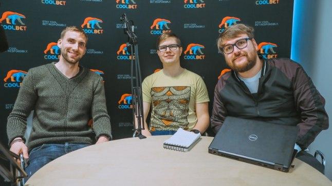 Vasakult: Rauno Tutk ja ajakirjanikud Mart Treial, Siim Kera.