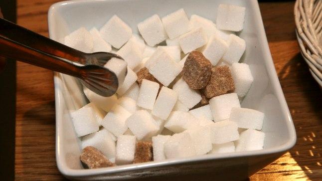Mida vähem suhkrutükikesi tee või kohvi sisse poetada, seda kasulikum tervisele.