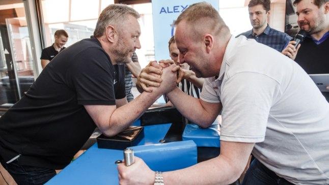 Aivar Kuusmaa võitis poolfinaalivastase Priit Vene vastu käesurumise.