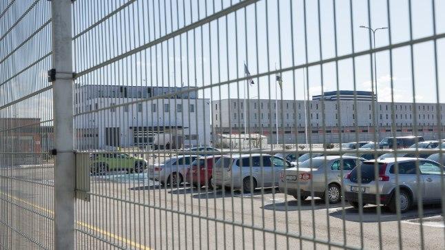 TARTU VANGLA: Tartu vanglas pani endale käe külge 22aastane kinnipeetu.