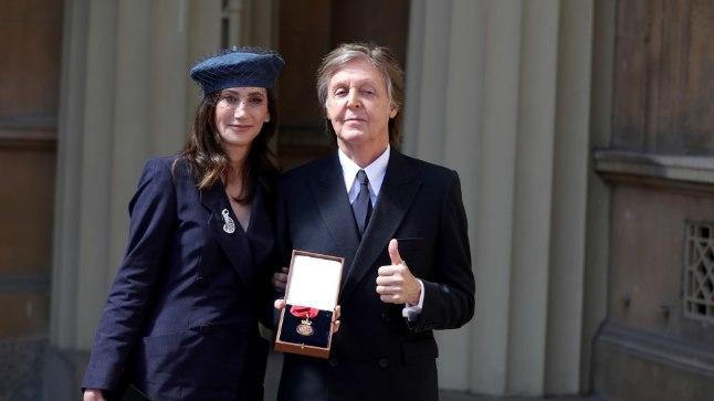 Sir Paul McCartney koos oma kolmanda abikaasa, Ameerika ärinaise Nancy Shevelliga.