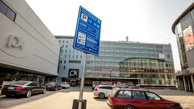 Linna tasulistel parkimisaladel tasuta parkimise võimalused ei muutu, kuid päeva- ja tunnipiletite hinda on plaanis tõsta.