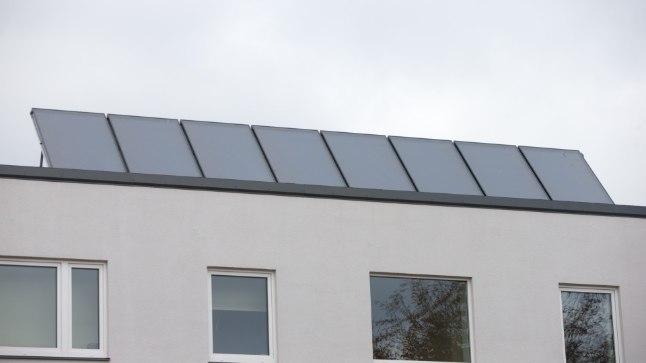 Peale juriidiliste isikute saavad väikeelamute omanikud KredExist taastuvenergiaseadmete kasutuselevõtuks toetust taotleda.