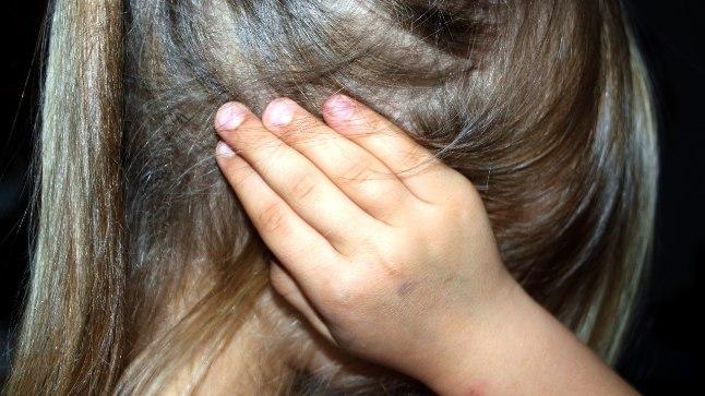 Seksuaalselt vääkoheldud laps vajab abi