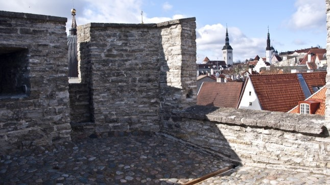 Бременская башна получила свое название в честь проживавшего поблизости ратмана.