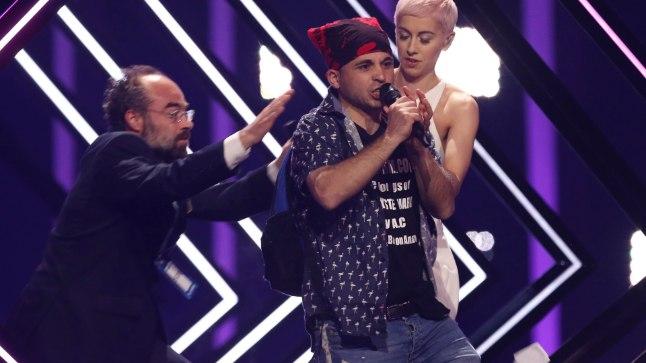 Eurovisioni lavale tunginud mees