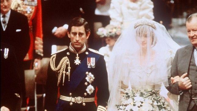 Prints Charles ning Diana Spencer koos oma isa krahv Spenceriga 29. juulil 1981 kuninglikus pulmas.