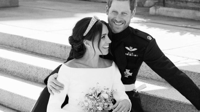 Värsked Sussexi hertsog ja hertsoginna, kes abiellusid laupäeval, 19. mail. Eile avaldas palee esimesed ametlikud pulmapildid.