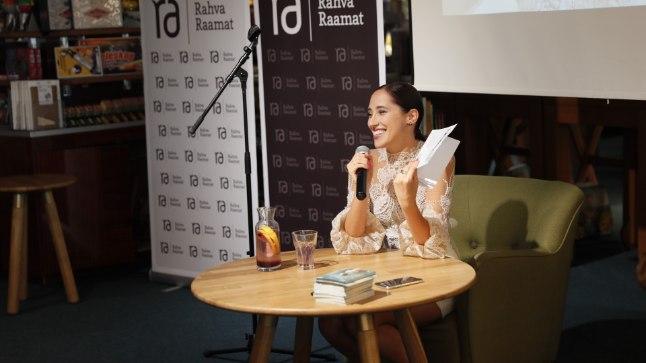 Elina Nechayeva kohtus fännidega