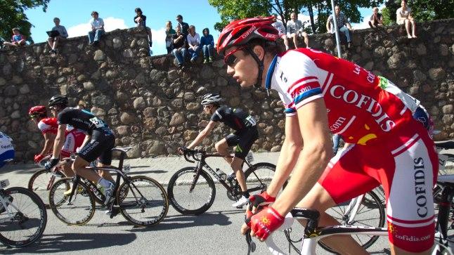 Seekordse Tour of Estonia nimekaim rattur on praegu Prantsuse profiklubisse Direct Energie kuuluv Rein Taaramäe, kes stardib kodumaisel tugevaimal velotuuril esimest korda. Pildil on ta 2011. aastal sõitmas Tartu GP-l veel Cofidise särgis.