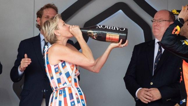Vürstinna Charlene Monte Carlo Grand Prix' auhinnatseremoonial.