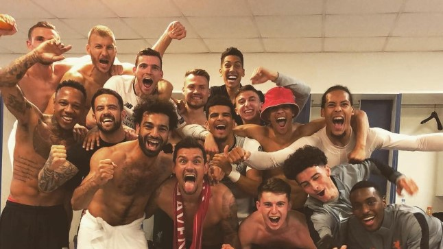 Pidu! Liverpooli meeskond lasi riietusruumis emotsioonid valla.