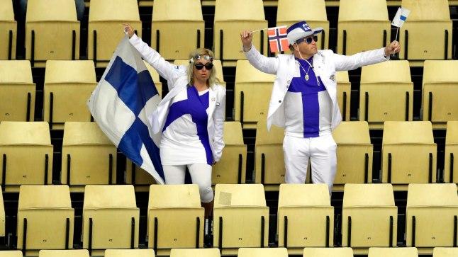 Soome hokifännid, seekord ilma longeropurgita.
