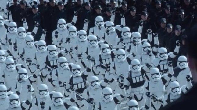 """""""Star Wars: Jõud tärkab"""""""