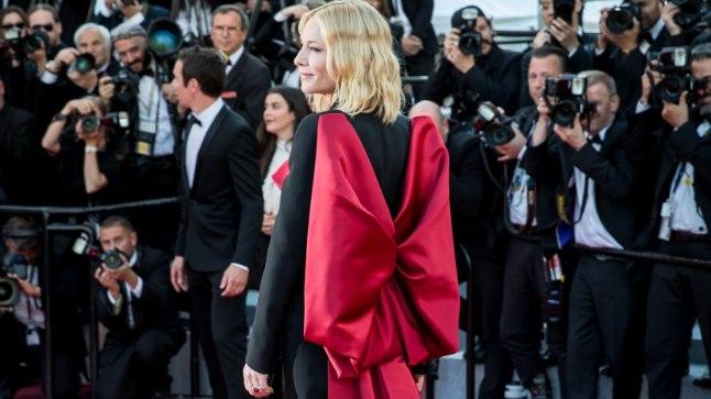 PUNASEM KUI VAIP: Näitleja Cate Blanchett tänavuse Cannes'i filmifestivali lõputseremoonial.