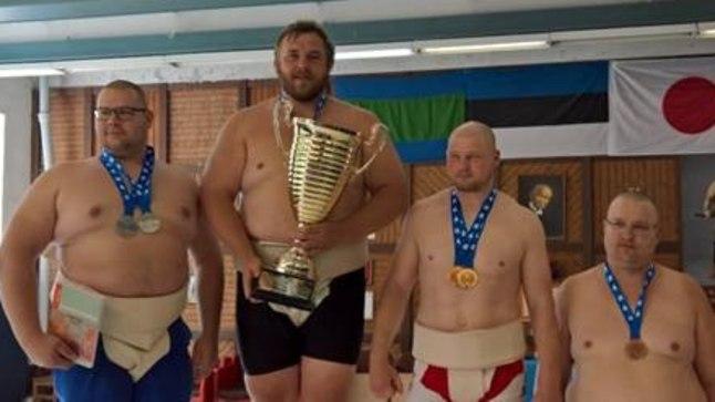 Vasakult: Keiro Raudkats, Kaido Höövelson, Mihkel Allikmäe, Meelis Höövelson.