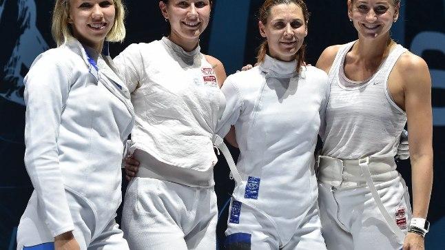 PRONKSINE NAISKOND: Erika Kirpu (vasakul), Julia Beljajeva, Irina Embrich ja Kristina Kuusk võitsid eile Novi Sadis kuuenda ühise medali.