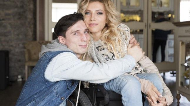 KOKKUHOIDEV PAAR: Julia Samoilova ja tema abikaasa Aleksei ehk Ljoša mullu maikuus Tallinnas. Aleksei tegutseb lauljanna mänedžerina ning oli talle vankumatult toeks, kui Julia Portugali Eurovisionil poolfinaalist kaugemale ei pääsenud.
