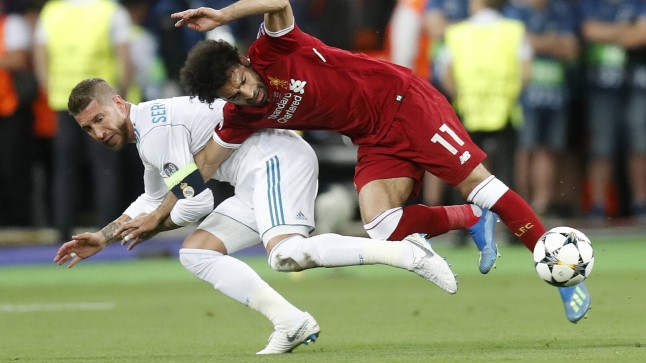 Kuulus olukord, mille tagajärjel Mohamed Salah (paremal) vigastada sai.