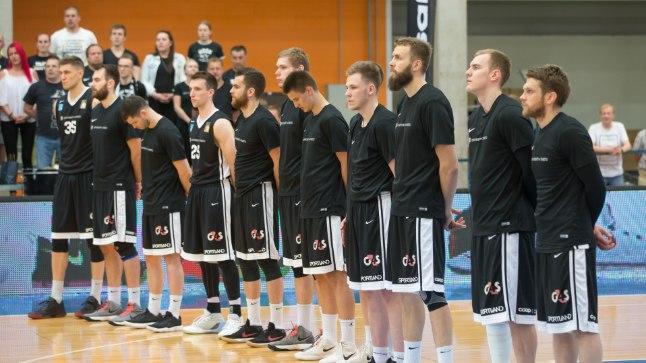 Tartu ülikooli korvpallimeeskond lõppenud hooajal.