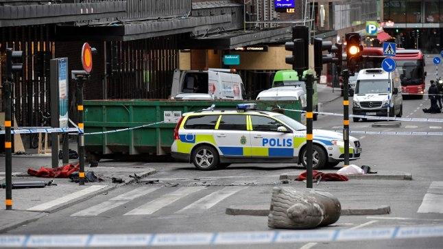 Фото с места теракта в Стокгольме в апреле 2017 года