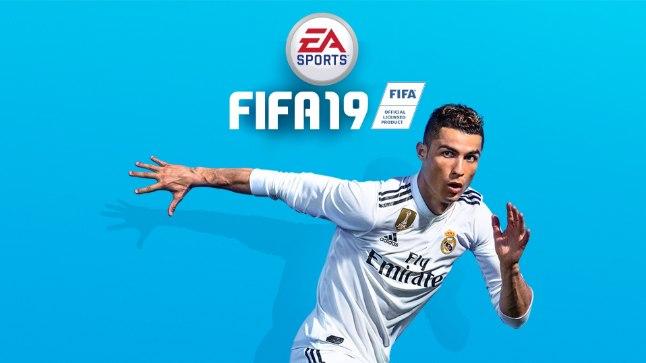 """Praegusel hetkel ilutseb Ronaldo """"FIFA 19"""" reklaammaterjalidel veel vana klubi särgiga."""