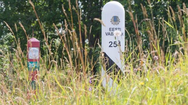 TÕELISELT ROHELINE PIIR: Ainult piiripostid annavad roheluses aimu, kust kulgeb Eesti ja Venemaa vaheline kontrolljoon.