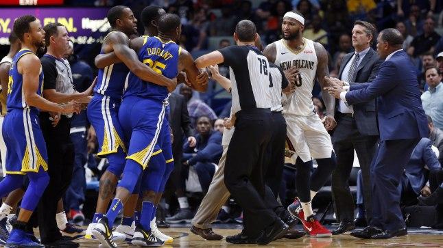 Golden State Warriorsi äär Kevin Durant (nr. 35) ja mullu New Orleans Pelicansis mänginud tsenter DeMarcus Cousins (paremal) tahtsid detsembris kättpidi kokku minna. Nüüd saavad neist tiimikaaslased.