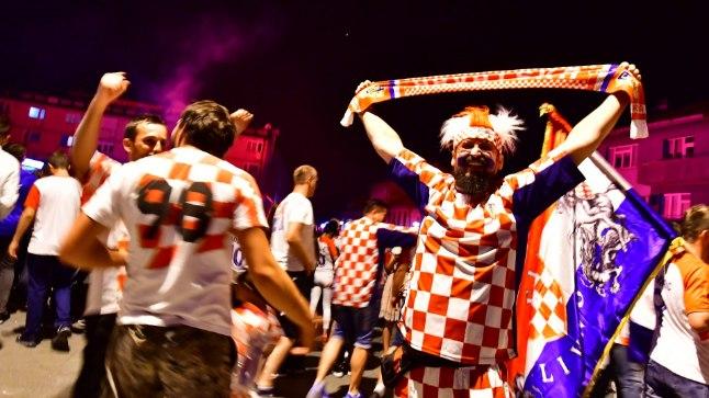 Horvaatia fännid laulavad!