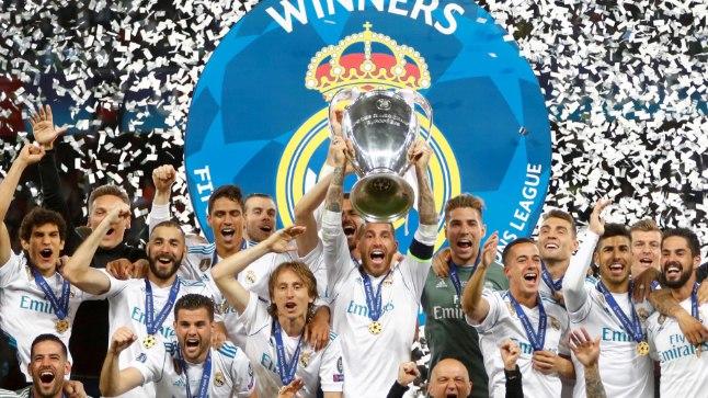 Meistrite liiga trofee Sergio Ramose haardes.