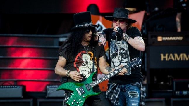 Опустевшие буфет и мини-бар за 300 евро: ВИП-гость концерта Guns N' Roses разочарован