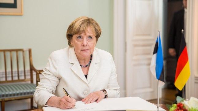 2016. aasta augustis käis Angela Merkel Eestis kahepäevasel visiidil. Ajalooline foto on tehtud Stenbocki majas.