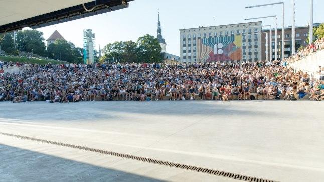 Jalgpalli MM finaali vaatamine Vabaduse väljakul.