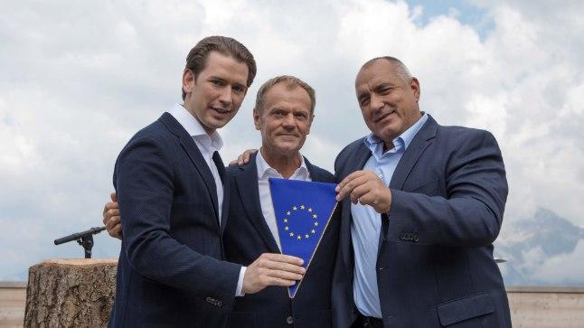 Austria liidukantsler Sebastian Kurz (vasakul), Euroopa Ülemkogu alalaine eesistuja Donald Tusk ja Bulgaaria peaminister Bojko Borisov.