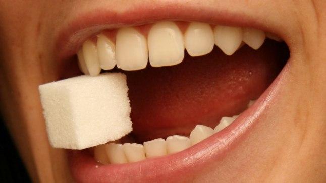 Rohke magusasöömine soodustab kahjulike bakterite kasvu suus.