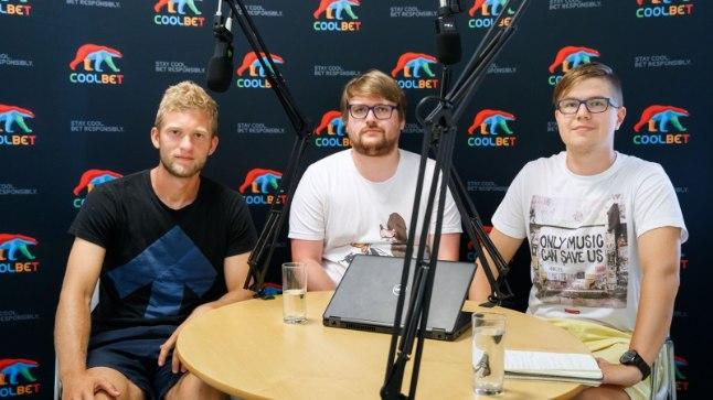 """Karl Mööl (vasakul) """"Kolmanda poolaja"""" stuudios koos Õhtulehe ajakirjanike Siim Kera ja Mart Treialiga."""