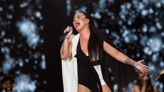 """JÄLLE PÕHJAS: Demi Lovato tähistas tänavu märtsis kuuenda aasta täitumist kaine elu algusest – ta oli aastaid maadelnud alkoholi- ja uimastisõltuvuse ning enesevigastamise ja buliimiaga. Kuid juunis avaldatud uues laulus """"Sober"""" pihtis ta, et on jälle libastunud. Kuu aega hiljem järgnes üledoos."""