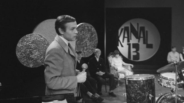 """Noortestuudio saade """"Kanal 13"""". Saatejuht Mati Talvik."""