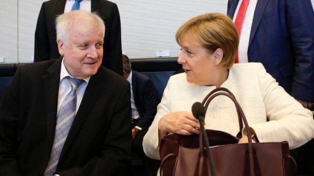 Horst Seehofer ja Angela Merkel 3. juulil peetud läbirääkimistel