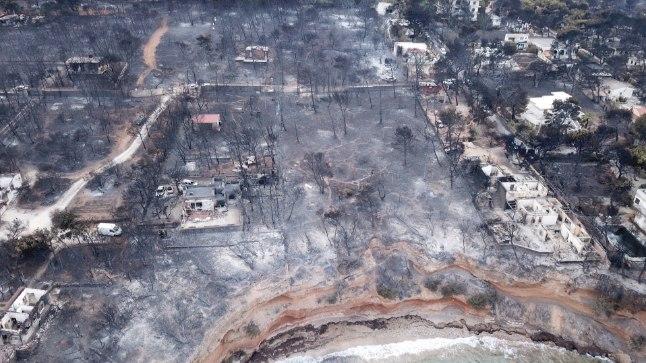 Vaade tulest hävitatud Mati külale, mis asub Kreeka pealinna Ateena lähistel.