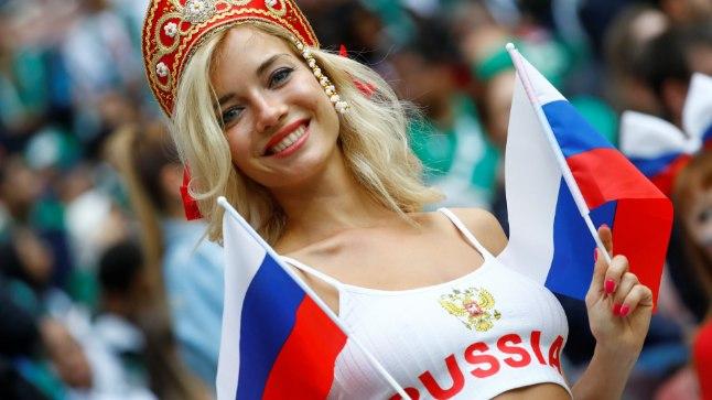 USKUMATU: Venemaa võidu korral Horvaatia üle lubas Natalja end alasti võtta ja oma riigi jalgpalluritega erootilise fotosessiooni teha.